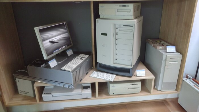 Apple servers: x86 and PowerPC based ones